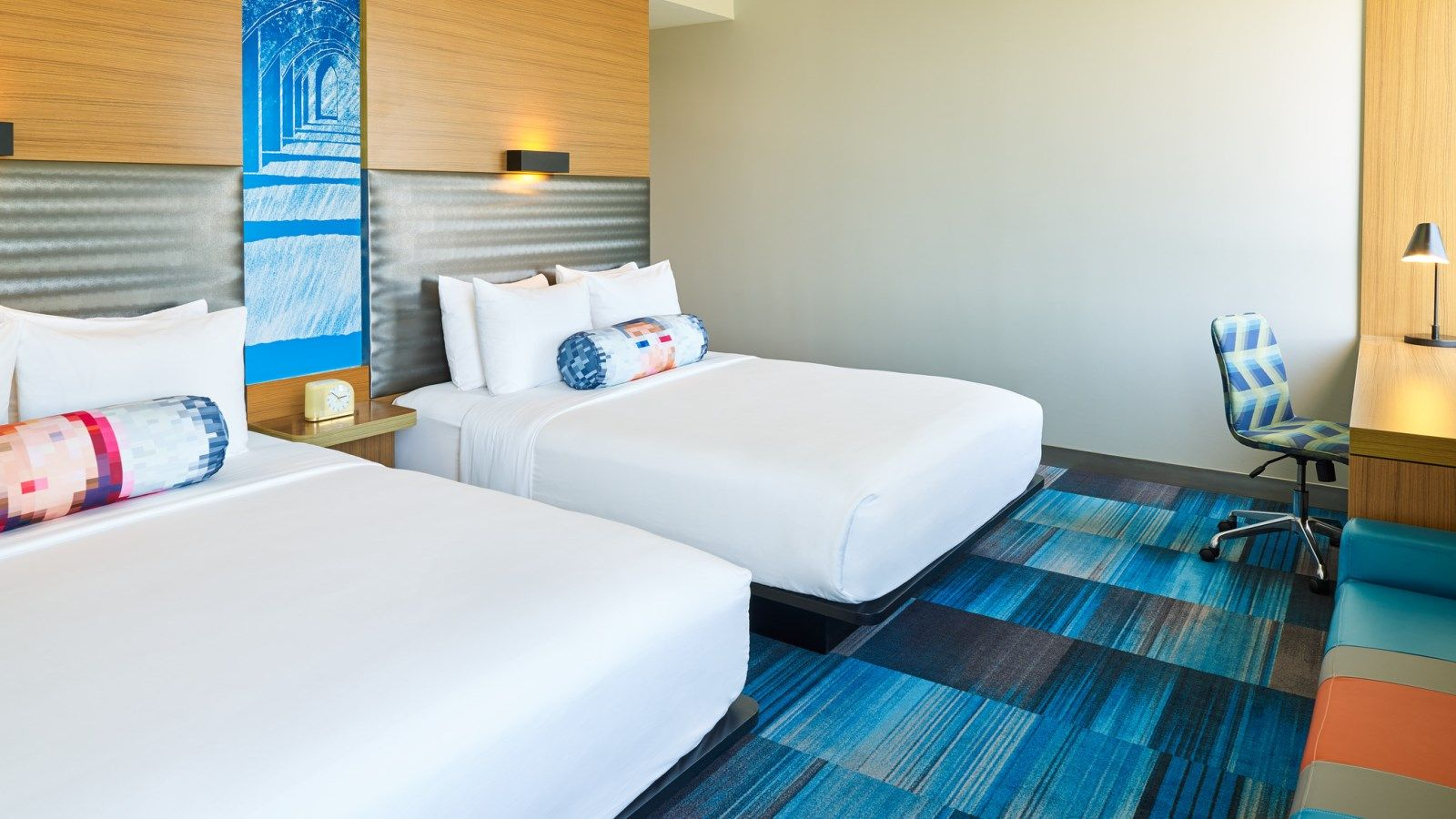 San Antonio Airport Accommodations - Aloft Double Queen Room